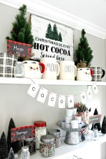 Incredible Rustic Farmhouse Christmas Decoration Ideas 10