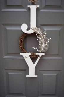 Incredible Rustic Farmhouse Christmas Decoration Ideas 33