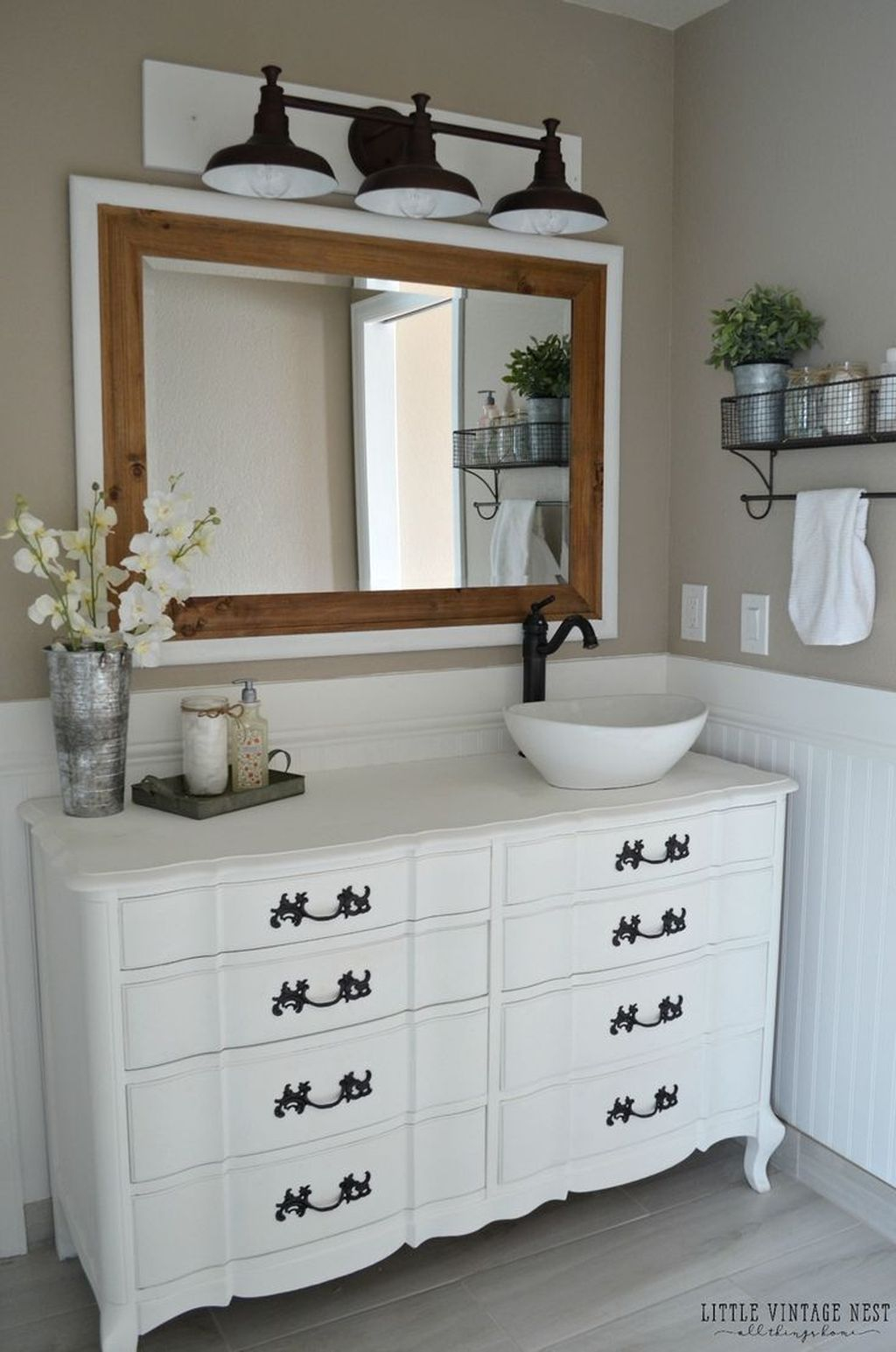 Inspiring Rustic Bathroom Vanity Remodel Ideas 24