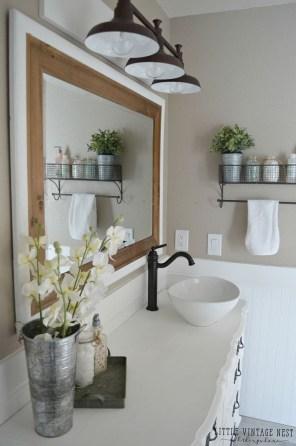 Inspiring Rustic Bathroom Vanity Remodel Ideas 64