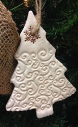 Inspiring Rustic Christmas Tree Decoration Ideas For Cheerful Day 02