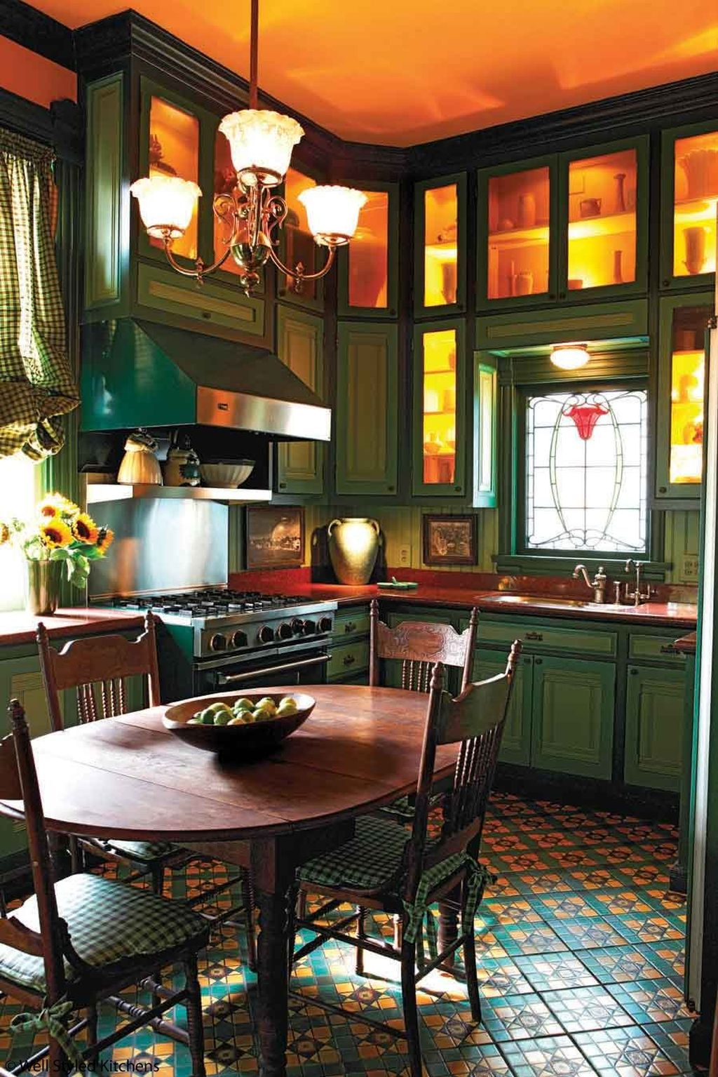 Inspiring Traditional Victorian Kitchen Remodel Ideas 43