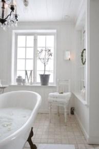 Romantic And Elegant Bathroom Design Ideas With Chandeliers 03