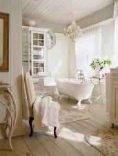 Romantic And Elegant Bathroom Design Ideas With Chandeliers 10