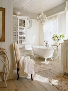 Romantic And Elegant Bathroom Design Ideas With Chandeliers 12
