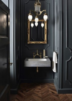 Romantic And Elegant Bathroom Design Ideas With Chandeliers 29