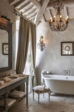 Romantic And Elegant Bathroom Design Ideas With Chandeliers 30