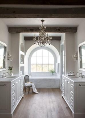 Romantic And Elegant Bathroom Design Ideas With Chandeliers 44