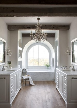 Romantic And Elegant Bathroom Design Ideas With Chandeliers 44