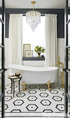 Romantic And Elegant Bathroom Design Ideas With Chandeliers 63