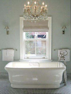 Romantic And Elegant Bathroom Design Ideas With Chandeliers 73