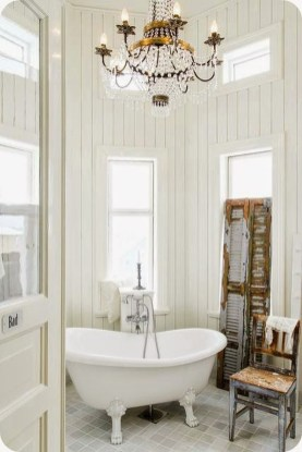 Romantic And Elegant Bathroom Design Ideas With Chandeliers 79