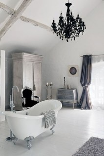 Romantic And Elegant Bathroom Design Ideas With Chandeliers 84