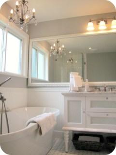Romantic And Elegant Bathroom Design Ideas With Chandeliers 86