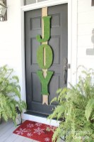 Simple But Beautiful Front Door Christmas Decoration Ideas 08