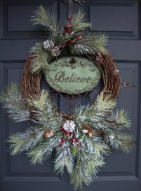 Simple But Beautiful Front Door Christmas Decoration Ideas 19