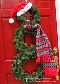 Simple But Beautiful Front Door Christmas Decoration Ideas 50