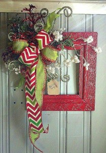 Simple But Beautiful Front Door Christmas Decoration Ideas 56
