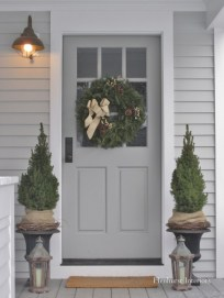 Simple But Beautiful Front Door Christmas Decoration Ideas 80