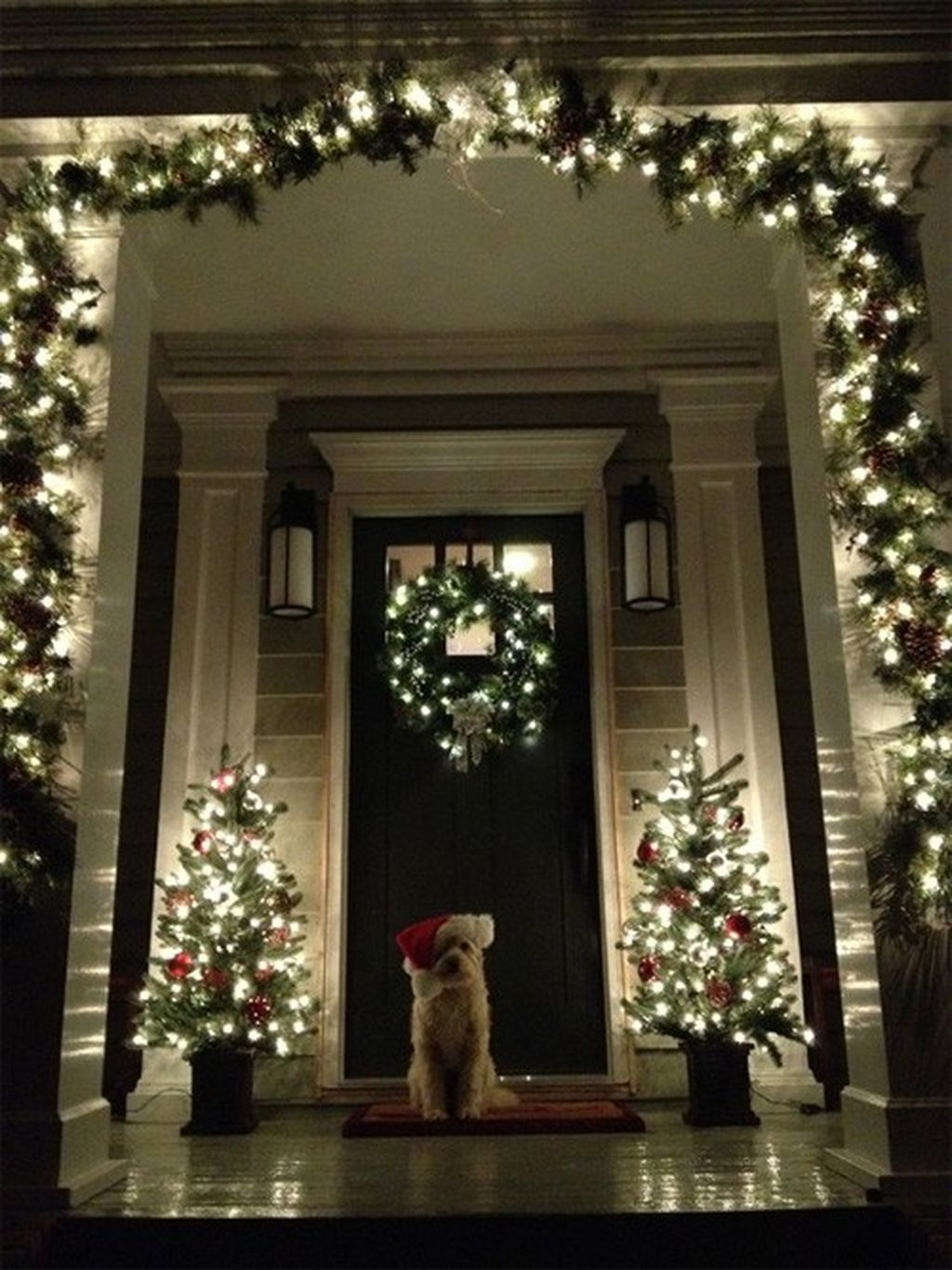 Totally Inspiring Christmas Porch Decoration Ideas 01