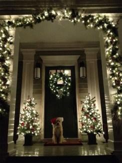 Totally Inspiring Christmas Porch Decoration Ideas 01