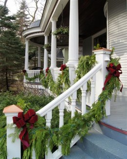 Totally Inspiring Christmas Porch Decoration Ideas 30