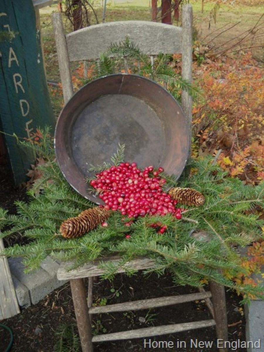 Totally Inspiring Christmas Porch Decoration Ideas 35
