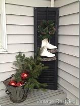 Totally Inspiring Christmas Porch Decoration Ideas 36