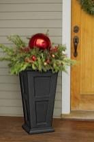 Totally Inspiring Christmas Porch Decoration Ideas 55