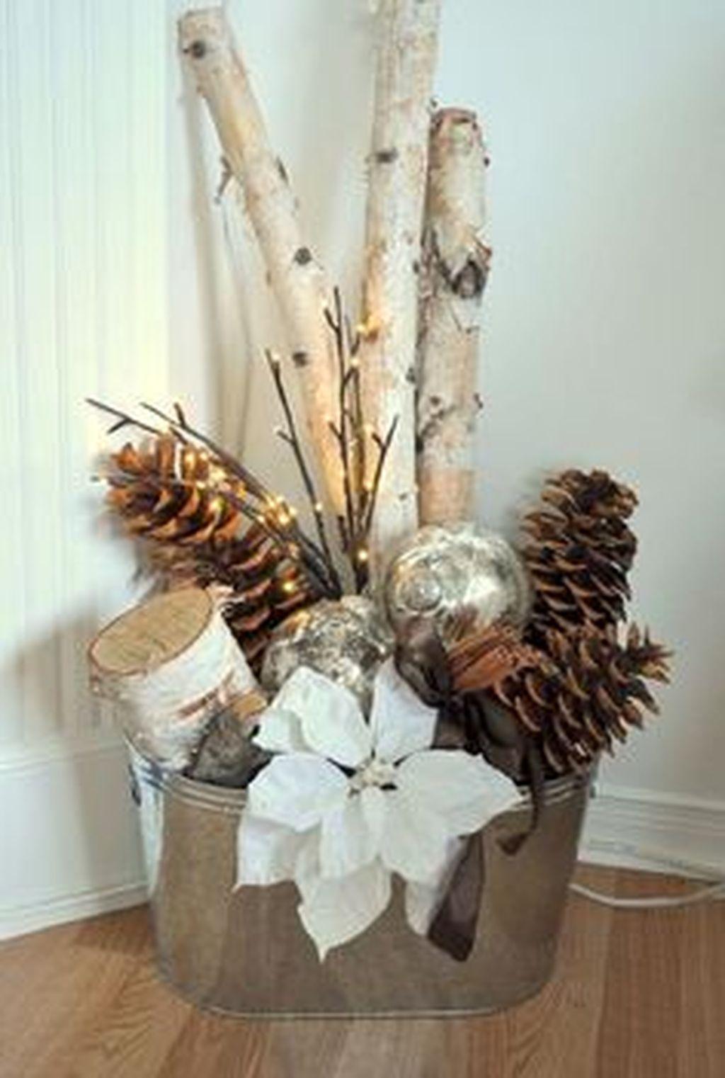 Totally Inspiring Christmas Porch Decoration Ideas 60