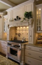 Totally Outstanding Traditional Kitchen Decoration Ideas 04