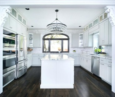 Totally Outstanding Traditional Kitchen Decoration Ideas 112