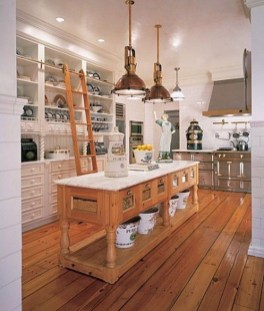 Totally Outstanding Traditional Kitchen Decoration Ideas 113