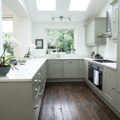 Totally Outstanding Traditional Kitchen Decoration Ideas 130