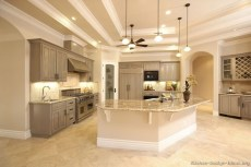 Totally Outstanding Traditional Kitchen Decoration Ideas 134