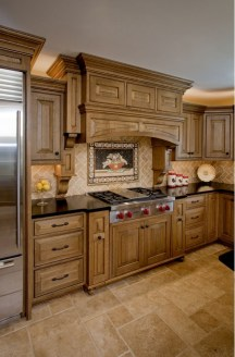Totally Outstanding Traditional Kitchen Decoration Ideas 149