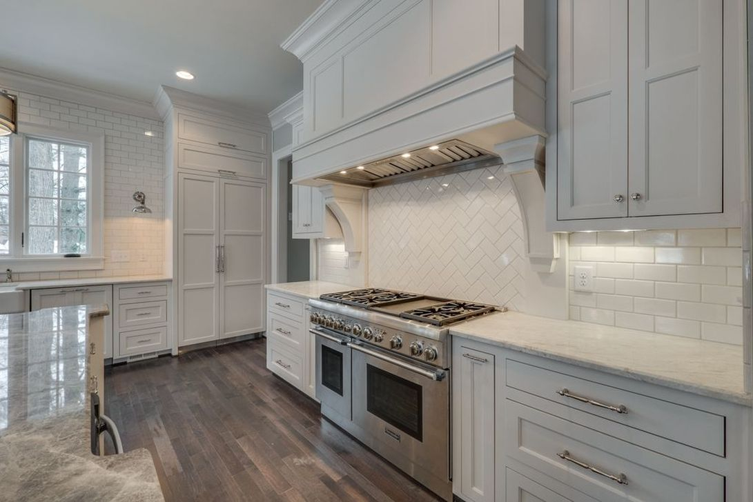 Totally Outstanding Traditional Kitchen Decoration Ideas 151