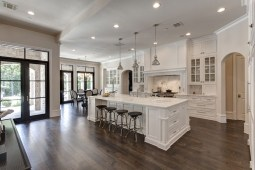 Totally Outstanding Traditional Kitchen Decoration Ideas 155