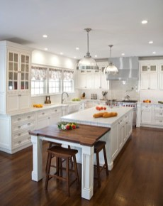 Totally Outstanding Traditional Kitchen Decoration Ideas 24