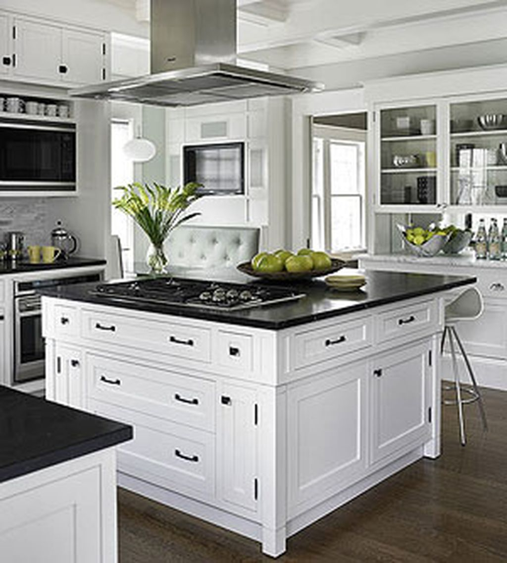 46 Best Farmhouse Home Decor Ideas You Will Totally Love: Totally Outstanding Traditional Kitchen Decoration Ideas