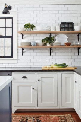 Totally Outstanding Traditional Kitchen Decoration Ideas 89