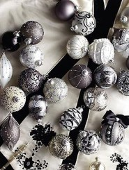 Unique And Unusual Black Christmas Tree Decoration Ideas 16