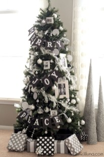 Unique And Unusual Black Christmas Tree Decoration Ideas 21
