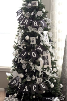 Unique And Unusual Black Christmas Tree Decoration Ideas 26