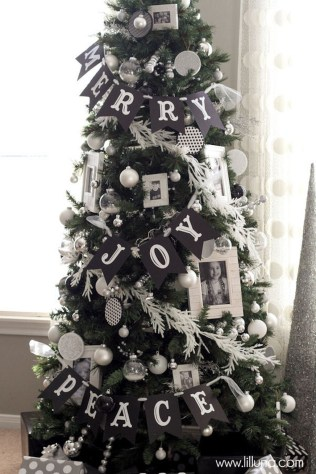 Unique And Unusual Black Christmas Tree Decoration Ideas 26