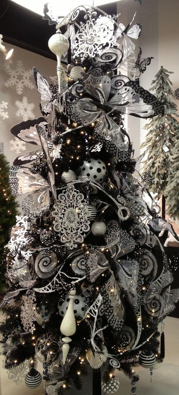 Unique And Unusual Black Christmas Tree Decoration Ideas 33
