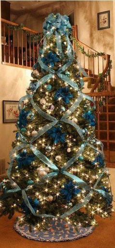 Unique And Unusual Black Christmas Tree Decoration Ideas 34