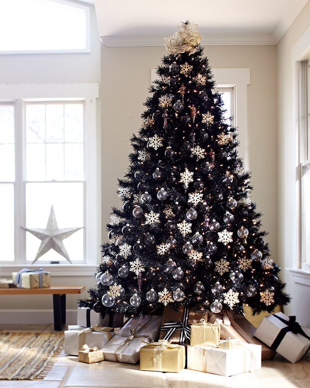 Unique And Unusual Black Christmas Tree Decoration Ideas 40