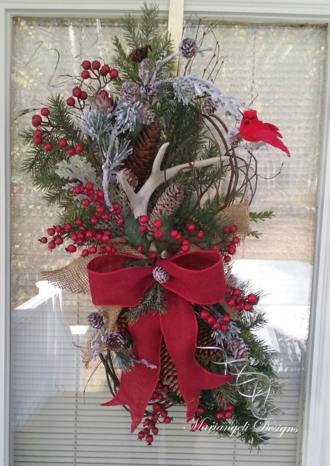 36 Brilliant Ideas How To Use Pinecone For Indoor Christmas Decoration 06