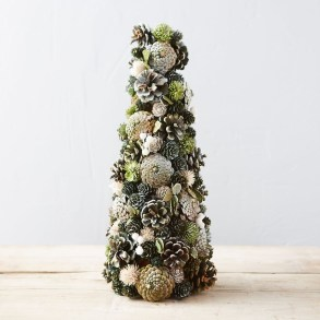 36 Brilliant Ideas How To Use Pinecone For Indoor Christmas Decoration 15
